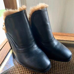 Sol Sana Fabulous Black leather Faux Fur Mules!